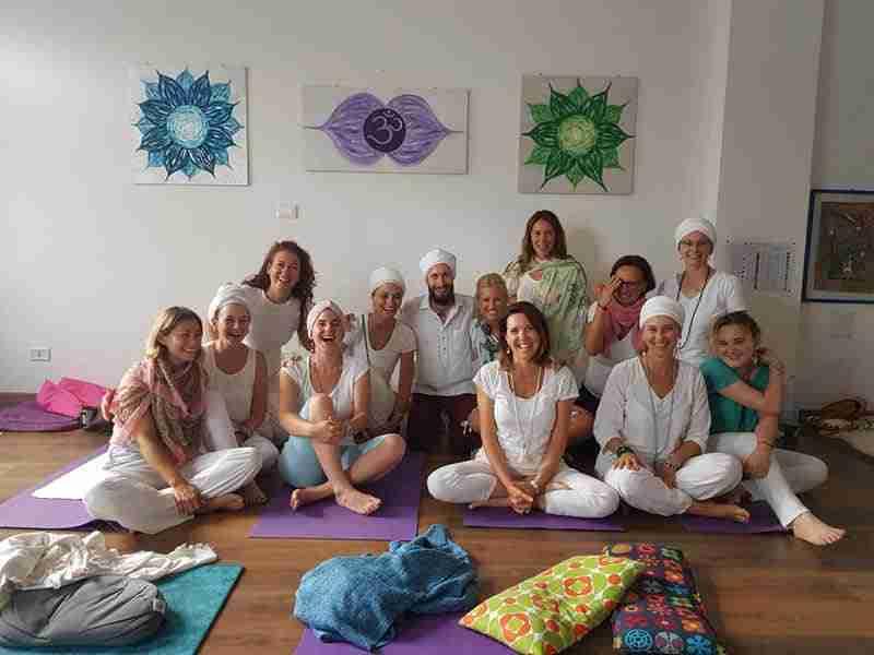 Diventare Insegnanti Kundalini Yoga Corso di Formazione Insegnanti di Kundalini Yoga